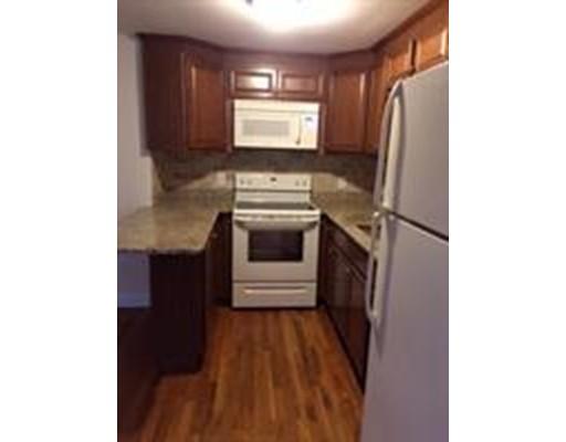 独户住宅 为 出租 在 37 Highland Terrace Needham, 马萨诸塞州 02494 美国