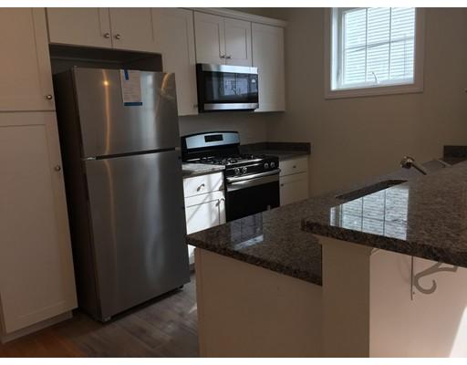 独户住宅 为 出租 在 261 Lexington Street 波士顿, 马萨诸塞州 02128 美国