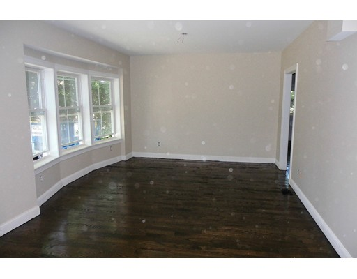 Additional photo for property listing at 121 Boyd Street  Watertown, Massachusetts 02472 Estados Unidos