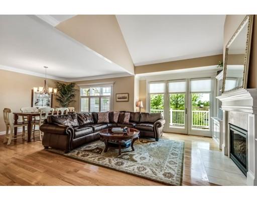 共管式独立产权公寓 为 销售 在 17 Ivana Drive 安德沃, 01810 美国