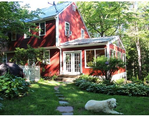 Condominio por un Venta en 449 Montague Road 449 Montague Road Shutesbury, Massachusetts 01072 Estados Unidos