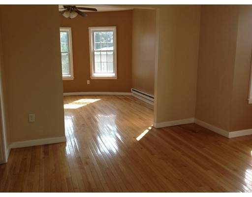 Additional photo for property listing at 15 Seward  Worcester, Massachusetts 01604 Estados Unidos