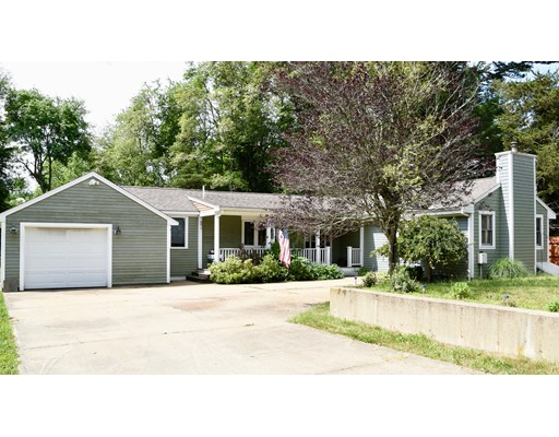 367 Chase Rd, Dartmouth, MA 02747