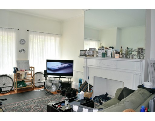 Additional photo for property listing at 39 Garrison Road  布鲁克莱恩, 马萨诸塞州 02445 美国