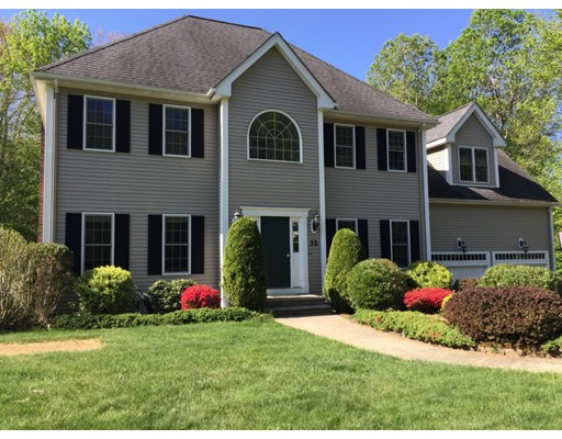 Single Family Home for Sale at 32 Vincent Road Mendon, Massachusetts 01756 United States
