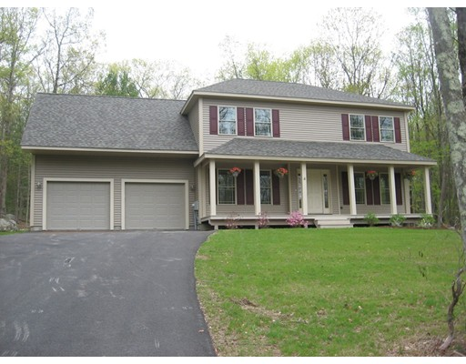 Single Family Home for Sale at 9 Acorn Lane Sturbridge, 01566 United States