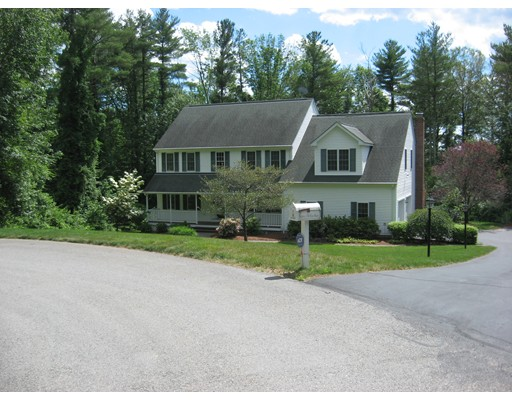 Single Family Home for Sale at 10 Fox Run Sturbridge, 01566 United States