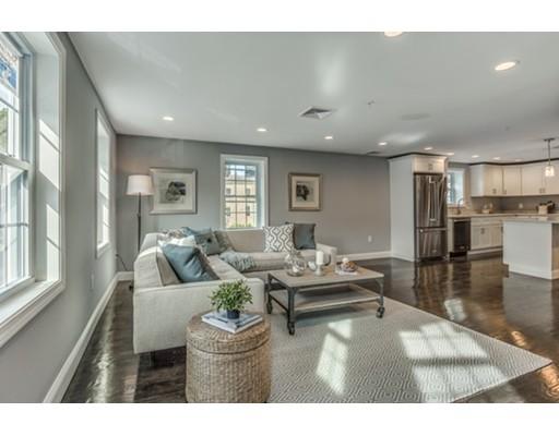 شقة بعمارة للـ Sale في 2 Emerton Street Salem, Massachusetts 01970 United States