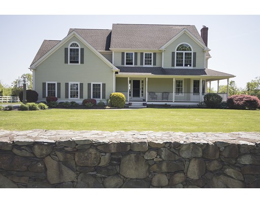 Single Family Home for Sale at 174 Touisset Road 174 Touisset Road Warren, Rhode Island 02885 United States