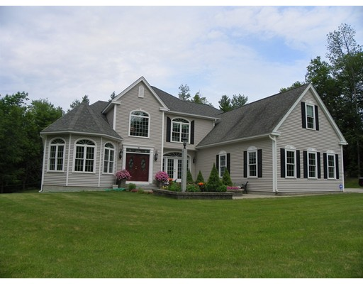 Casa Unifamiliar por un Venta en 16 Warren Drive 16 Warren Drive New Boston, Nueva Hampshire 03070 Estados Unidos