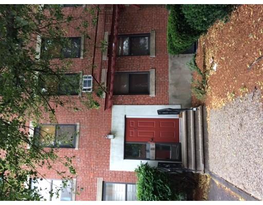 独户住宅 为 出租 在 1 Cypress Road 波士顿, 马萨诸塞州 02135 美国