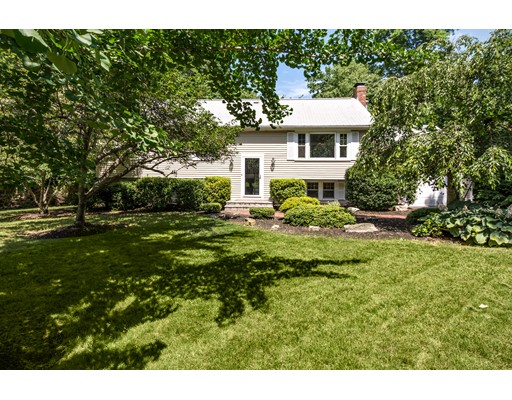 40 Brewster Road, Cohasset, MA 02025