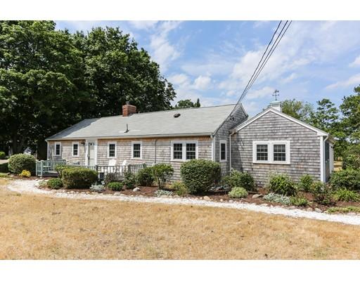 Maison unifamiliale pour l Vente à 133 Rock Harbor Road Orleans, Massachusetts 02653 États-Unis