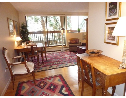 Additional photo for property listing at 1643 Cambridge Street  坎布里奇, 马萨诸塞州 02138 美国