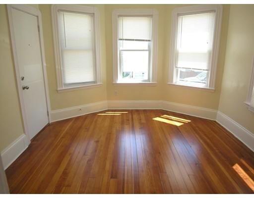 独户住宅 为 出租 在 361 North Front Street New Bedford, 马萨诸塞州 02746 美国