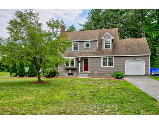 Casa Unifamiliar por un Venta en 113 Pinecrest Road Litchfield, Nueva Hampshire 03052 Estados Unidos