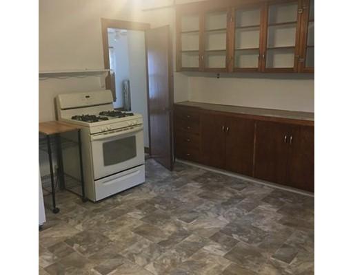 شقة للـ Rent في 35 Prospect St. #2 35 Prospect St. #2 Spencer, Massachusetts 01562 United States