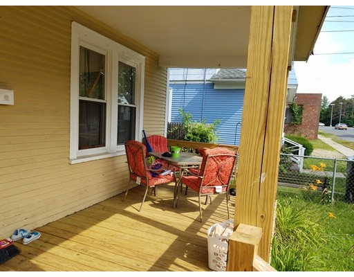 27 Margerie St, Springfield, MA 01109