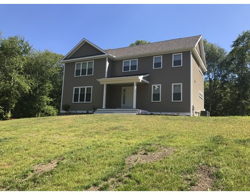 Casa Unifamiliar por un Venta en 14 Birch Road Freetown, Massachusetts 02702 Estados Unidos