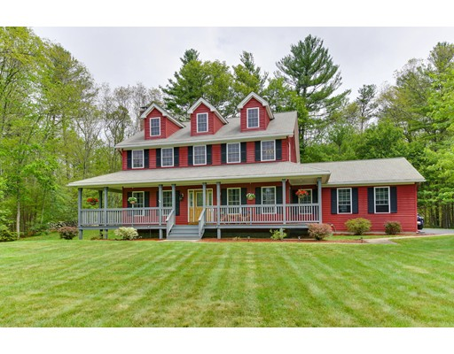 Single Family Home for Sale at 35 Dunleavey Brook Drive 35 Dunleavey Brook Drive Uxbridge, Massachusetts 01569 United States