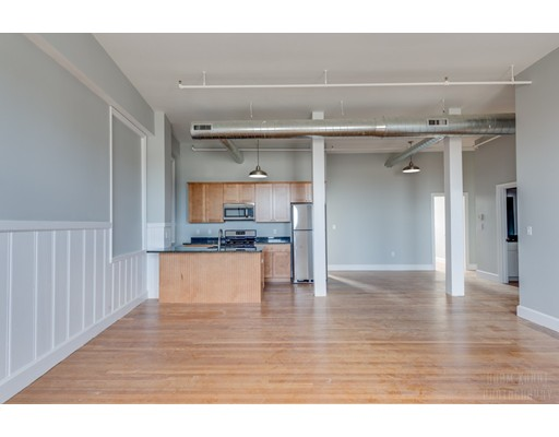 独户住宅 为 出租 在 6 Spice Street 波士顿, 马萨诸塞州 02129 美国