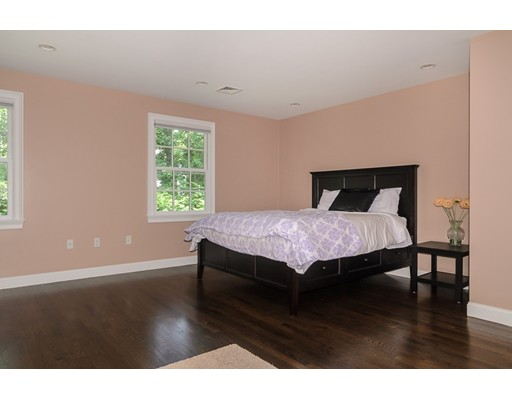 202 Bristol Rd, Wellesley, MA, 02481