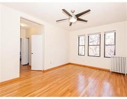 Casa Unifamiliar por un Alquiler en 313 Summit Avenue Boston, Massachusetts 02135 Estados Unidos