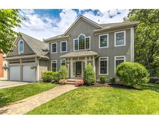 Maison unifamiliale pour l Vente à 11 Pondview Lane Reading, Massachusetts 01867 États-Unis