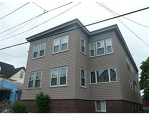 Additional photo for property listing at 39 Irving Street  Everett, Massachusetts 02149 Estados Unidos