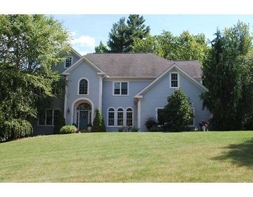 واحد منزل الأسرة للـ Sale في 243 Cranbrook Drive 243 Cranbrook Drive Holden, Massachusetts 01520 United States