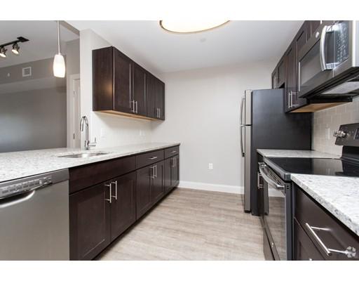 公寓 为 出租 在 373 Commonwealth Road #205 373 Commonwealth Road #205 韦兰, 马萨诸塞州 01778 美国