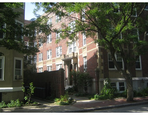 Additional photo for property listing at 21 Shepard  Cambridge, Massachusetts 02138 United States
