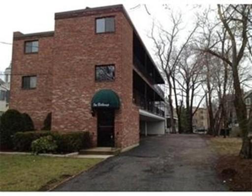 独户住宅 为 出租 在 1 Belknap Street 阿灵顿, 马萨诸塞州 02474 美国