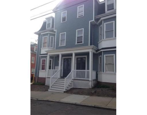 Casa Unifamiliar por un Alquiler en 18 Belmont Somerville, Massachusetts 02143 Estados Unidos