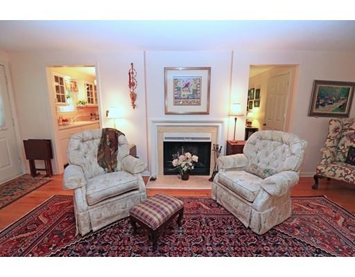 Condominio por un Venta en 617 Washington Street #105 617 Washington Street #105 Wellesley, Massachusetts 02482 Estados Unidos