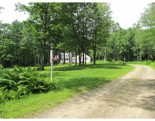Single Family Home for Sale at 800 Old Petersham Road Barre, Massachusetts 01005 United States