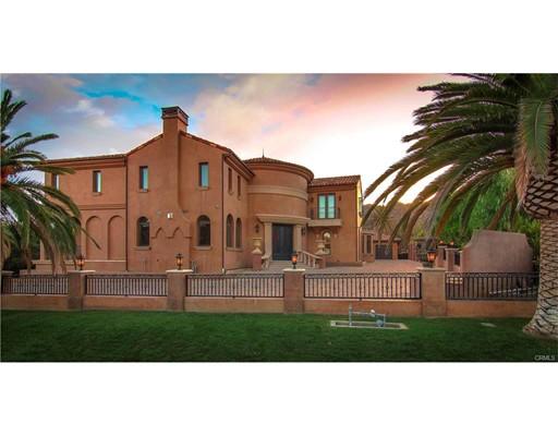 واحد منزل الأسرة للـ Sale في 22437 La Quilla Drive Chatsworth, California 91311 United States
