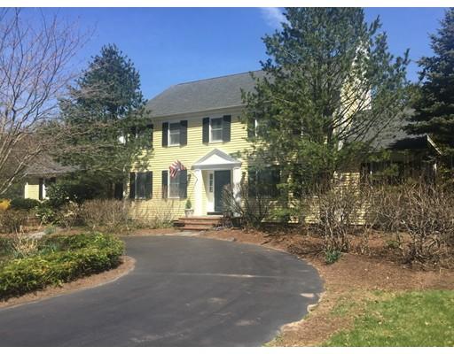 Maison unifamiliale pour l Vente à 26 Tubwreck Drive Dover, Massachusetts 02030 États-Unis