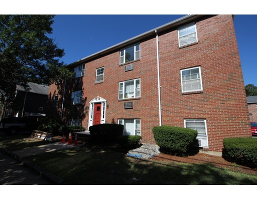 Additional photo for property listing at 102 Oxford Street  Arlington, Massachusetts 02474 Estados Unidos