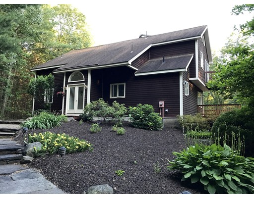 Single Family Home for Sale at 217 Shutesbury Road 217 Shutesbury Road Amherst, Massachusetts 01002 United States