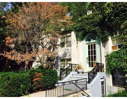 شقة للـ Rent في 127 Bay State Rd #4 127 Bay State Rd #4 Boston, Massachusetts 02215 United States