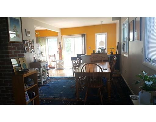 Casa Unifamiliar por un Alquiler en 66 Cameron Avenue Somerville, Massachusetts 02144 Estados Unidos