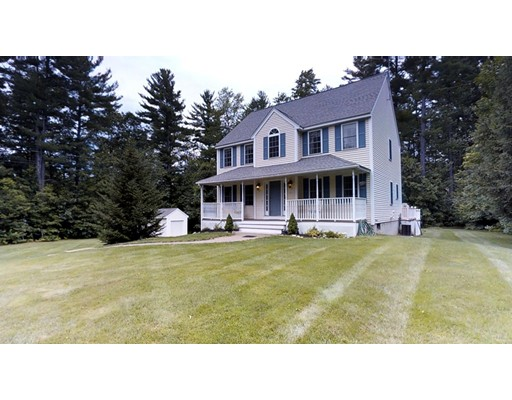 Single Family Home for Sale at 11 Stanwood Avenue Plaistow, New Hampshire 03865 United States