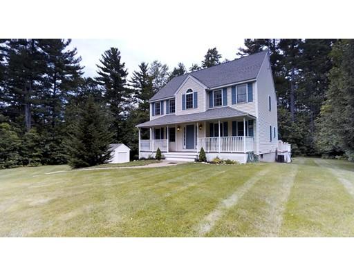 Maison unifamiliale pour l Vente à 11 Stanwood Avenue Plaistow, New Hampshire 03865 États-Unis