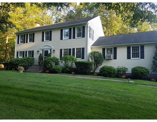 Casa Unifamiliar por un Venta en 3 Partridge Trail Bellingham, Massachusetts 02019 Estados Unidos