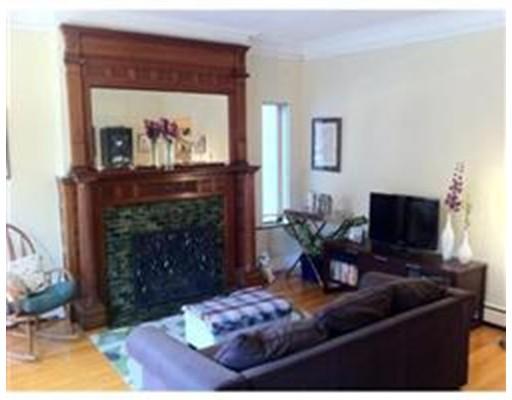 Casa Unifamiliar por un Alquiler en 1575 Beacon Street Brookline, Massachusetts 02446 Estados Unidos