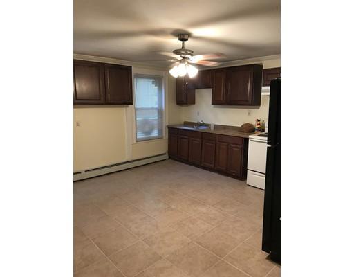 Casa Unifamiliar por un Alquiler en 17 Ripley Malden, Massachusetts 02148 Estados Unidos