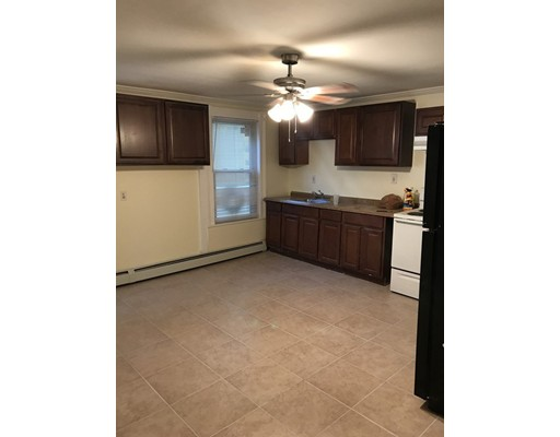 Additional photo for property listing at 17 Ripley  Malden, Massachusetts 02148 Estados Unidos