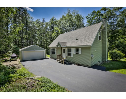 واحد منزل الأسرة للـ Sale في 63 Abbott Hill Acres Road Wilton, New Hampshire 03086 United States