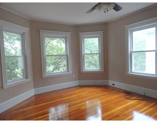 Casa Unifamiliar por un Alquiler en 26 Jamaica Road Brookline, Massachusetts 02445 Estados Unidos